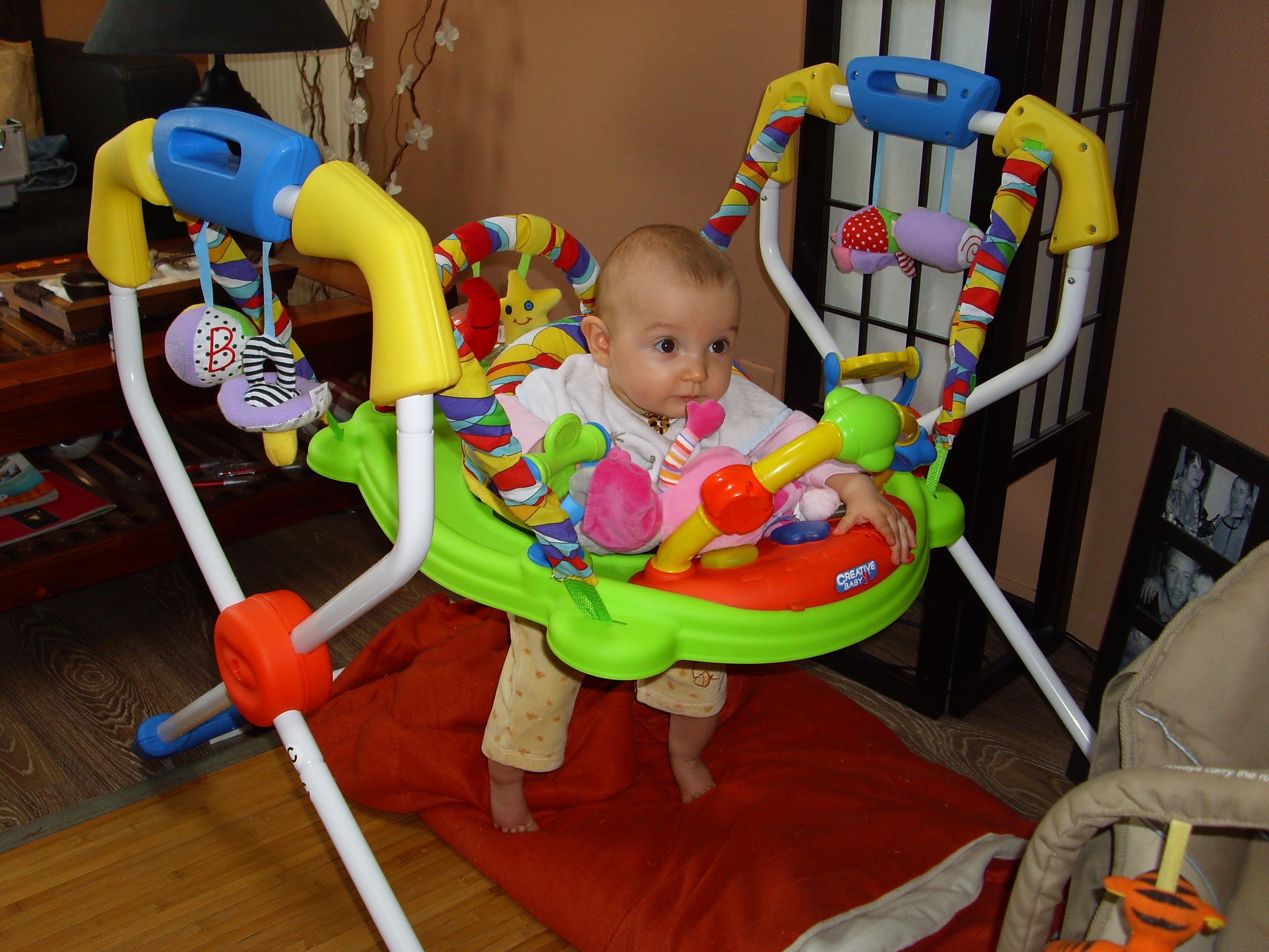 age trotteur bébé