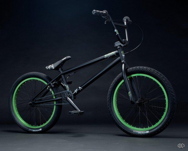 bmx noir et vert