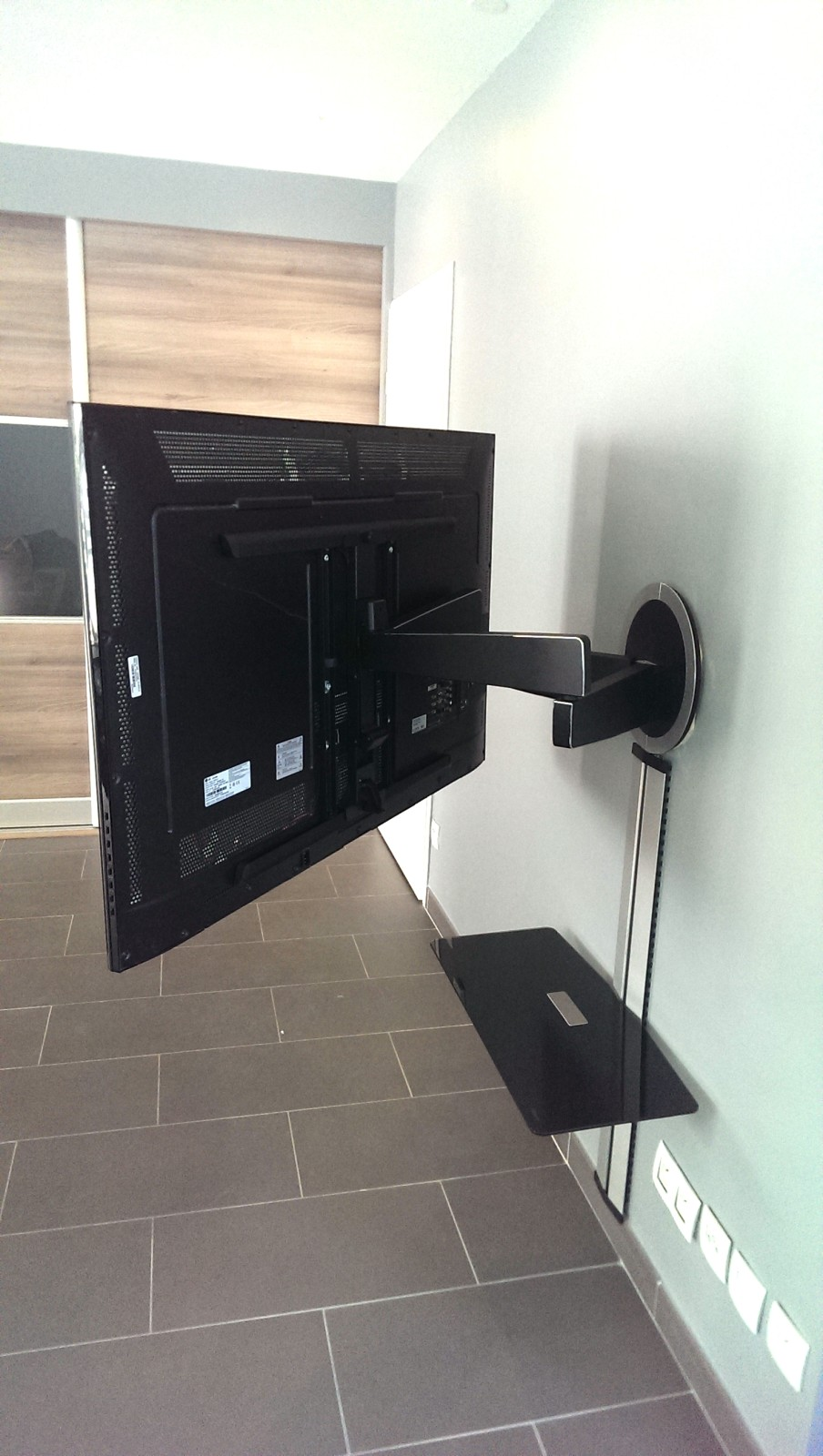 bras de television