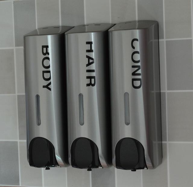distributeur douche mural