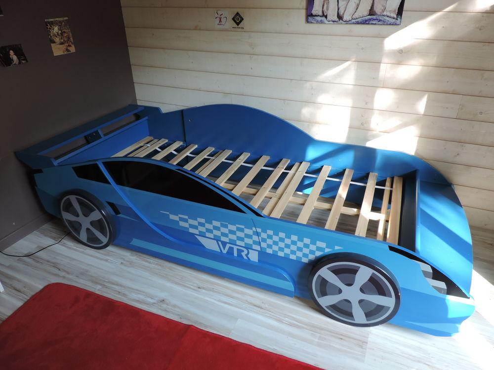 lit forme de voiture