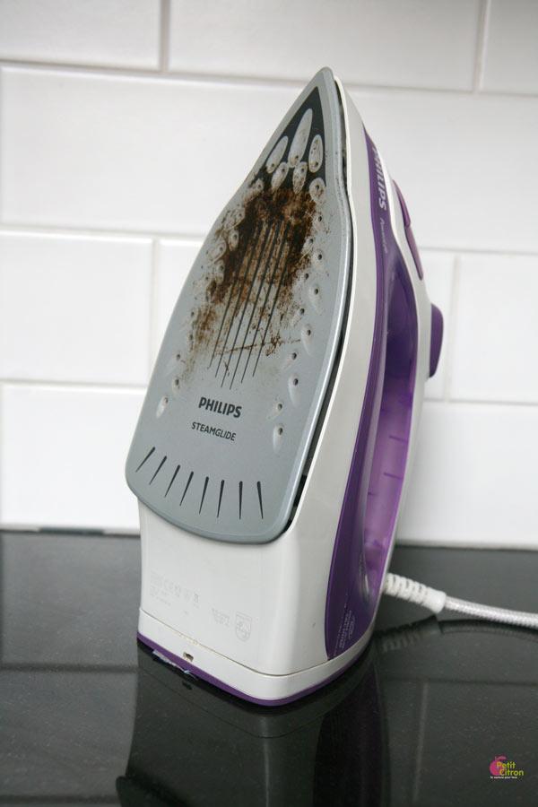nettoyer la semelle d un fer à repasser vapeur